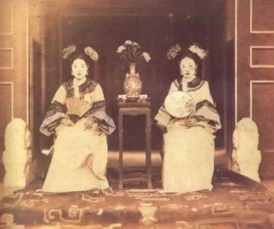 當皇帝才不好!10張超罕見的「清朝妃子真實樣貌」歷史照曝光,網友感嘆:皇帝辛苦了