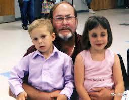 6歲童出面作證「媽媽淹死姊姊」 法庭上崩潰曝兇殺案背後真相!