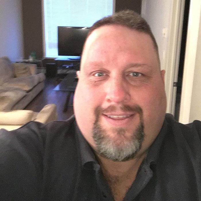 270公斤胖男「胖到害難民無法見家人」,超愧疚決定狠甩147公斤瘦成「神似萊恩雷諾斯的天菜」!