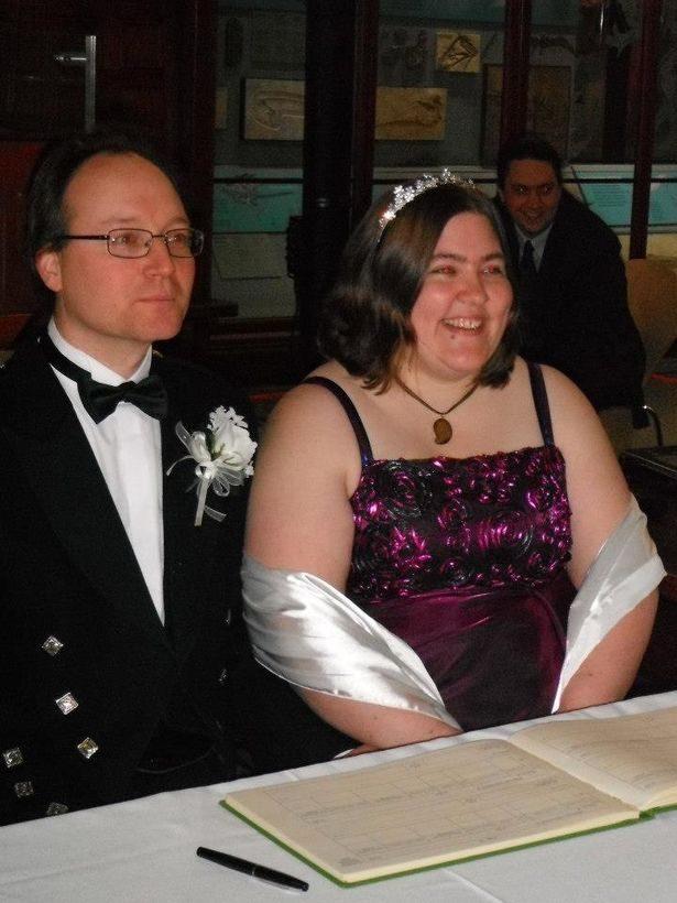 一后4王!她同時有「老公、未婚夫、男友x2」讓她活力滿滿!她:能夠一起分享,我很高興