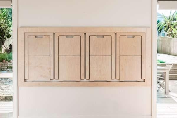 可以掛在牆上的桌椅!輕鬆一拆變身日系文青風「餐桌+4張椅子」,平常還能化身「美麗掛畫」CP值滿滿!(影片)