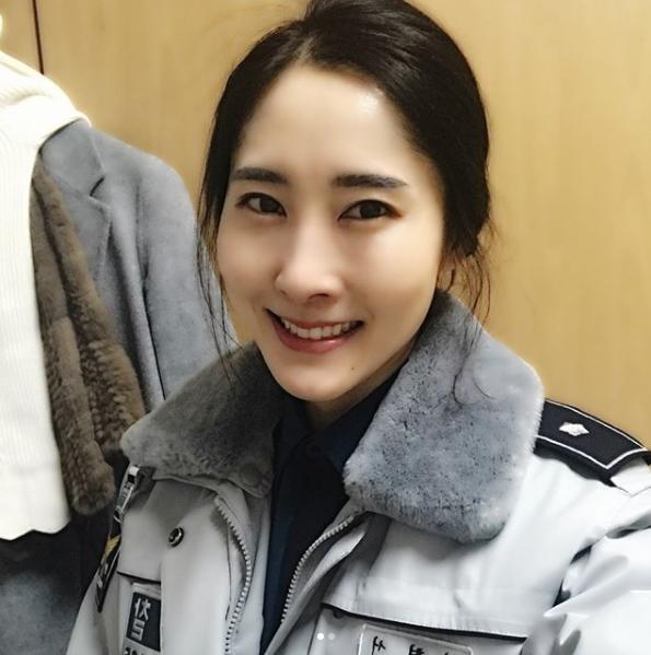 高齡產婦→健美女神 女警「逆齡身材照」網猜不出年齡!