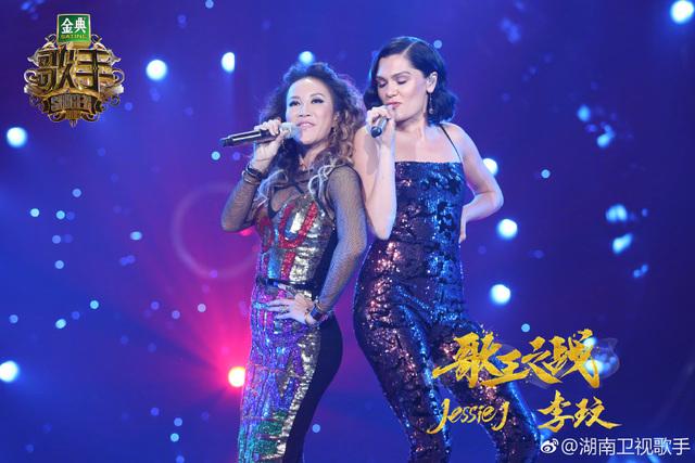 果然是Jessie J!總決賽請來李玟助陣唱金曲《Bang Bang》,「拿下冠軍只花4分鐘」全場直接跪了!