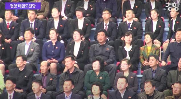 BTS防彈少年團《FIRE》歌詞「嚇壞2300北韓人」,叛逆歌詞「燃燒起來吧」立刻臉部凍結!(影片)