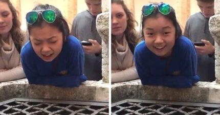 17歲少女對著古井唱「哈利路亞」 一開口會讓你以為天使下凡!