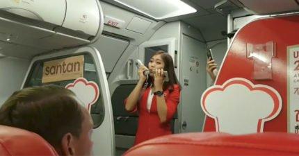 航班延誤!超正空姐為安撫乘客演唱《Im Yours》 天使般嗓音讓全場戀愛!