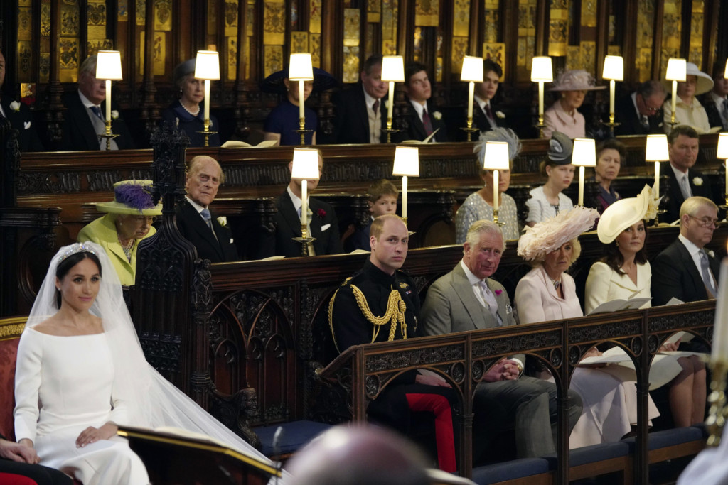 哈利王子婚禮特為「黛安娜王妃」留位!新娘心機裙擺設計向她致敬