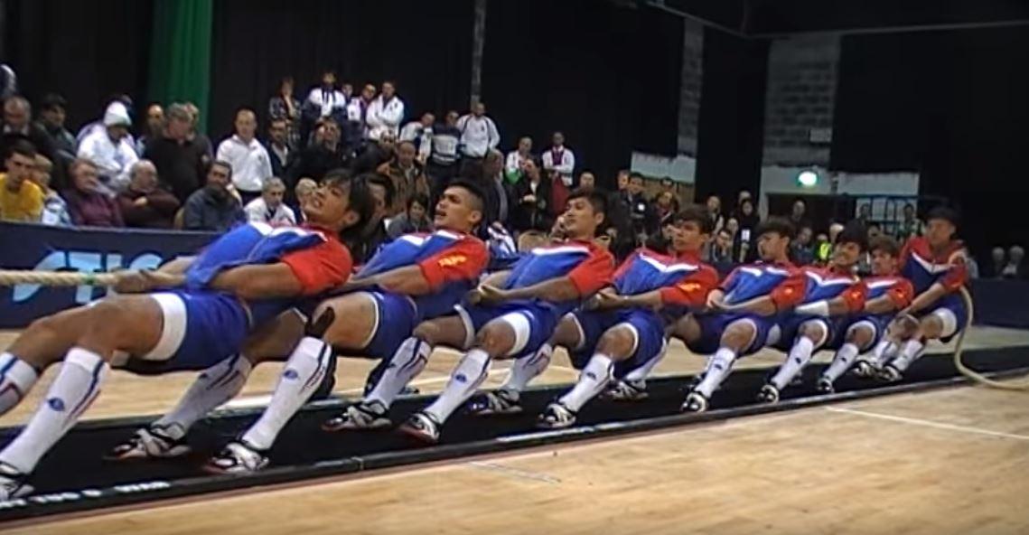 世界拔河冠軍!台灣高中隊關鍵一拉直接「KO整排對手」 在場老外全看傻!