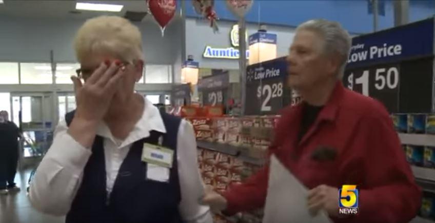 43年沒說話!77歲爺爺情人節衝一波 串通同事「再求婚前妻」