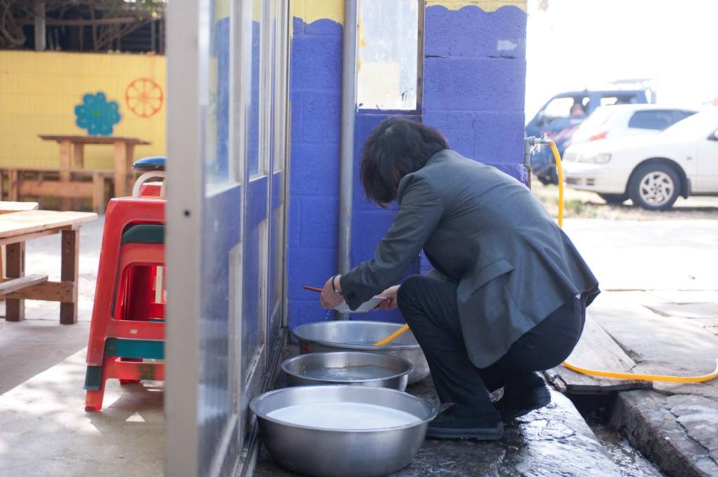 「小英洗碗照」被砲假掰裝悲情 攝影師嗆:無腦不查證!