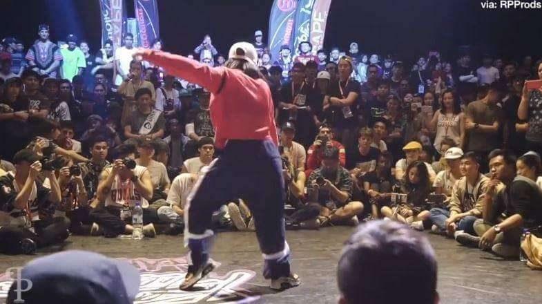 日本16歲女秀街舞神技 「連打敗7名對手」奪世界冠軍