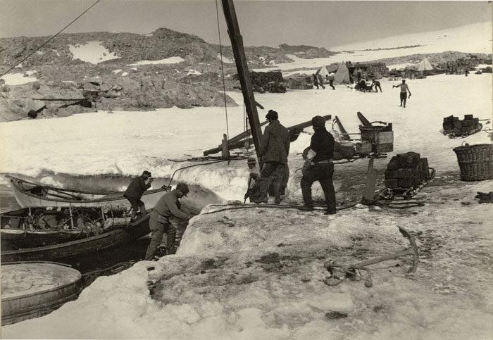 一百年前澳洲首支「南极敢死队」图集 逼近死亡才能见证的美 -5afd4974de775