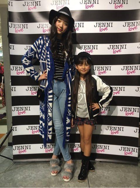 174公分神級正妹竟是「小學生」!超齡臉蛋+逆天長腿爆紅 同學只到她胸口