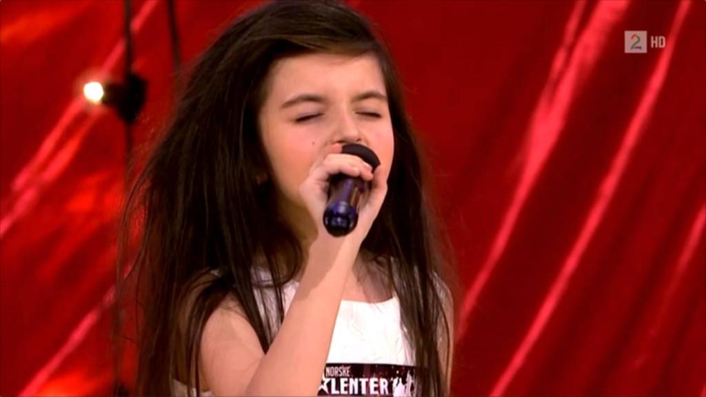 她7歲就有「老靈魂」!超齡嗓音一開口讓網友都醉了