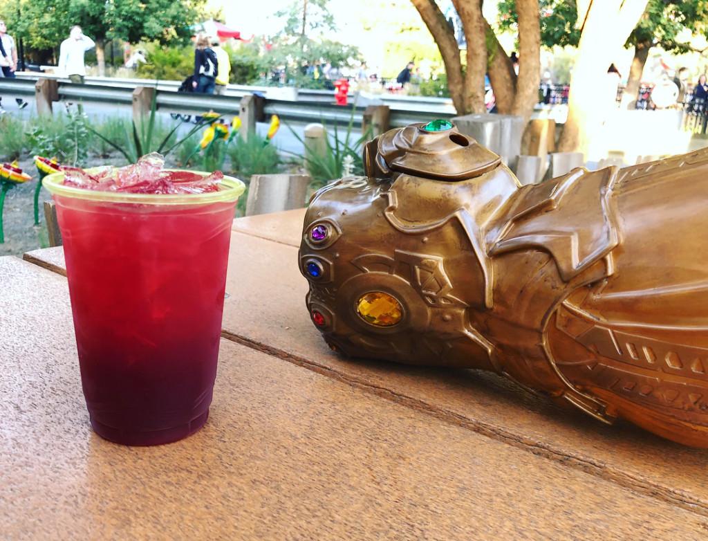 迪士尼乐园推「无限手套造型杯」 无限宝石口味嗨翻影迷 -dizlush_31504465_487055295043675_5767588200272887808_n
