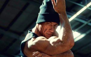 10位「外強中乾VS真的是練家子」動作片巨星 連恩尼遜其實有懼高症!