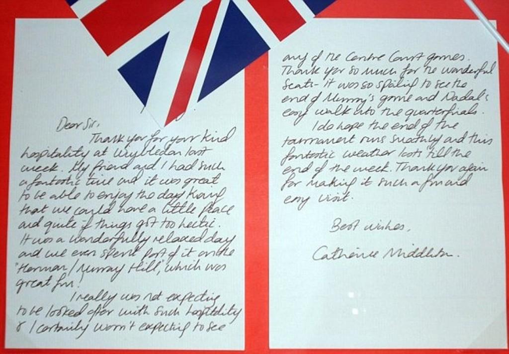 梅根「手寫字」美到像藝術品!意外曝光過去超狂身份:為了生存用的