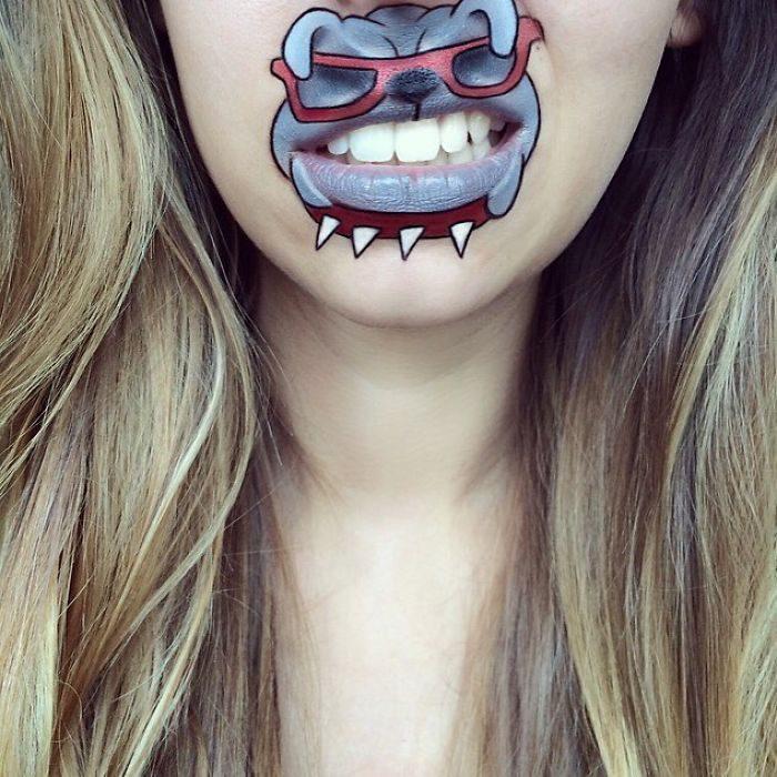 正妹把牙齒、嘴巴變成畫布 讓卡通人物通通活起來啦~