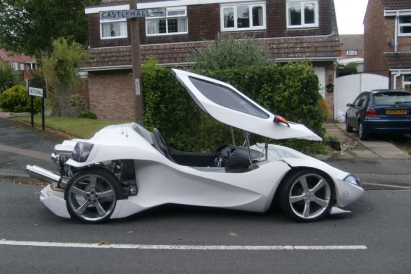 影/買不起超跑自己改造「超酷炫鷗翼跑車」 直接被法拉利請去上班!