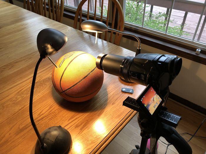 地球是平的嗎?國外工程師用「一顆籃球」拍出漏洞!