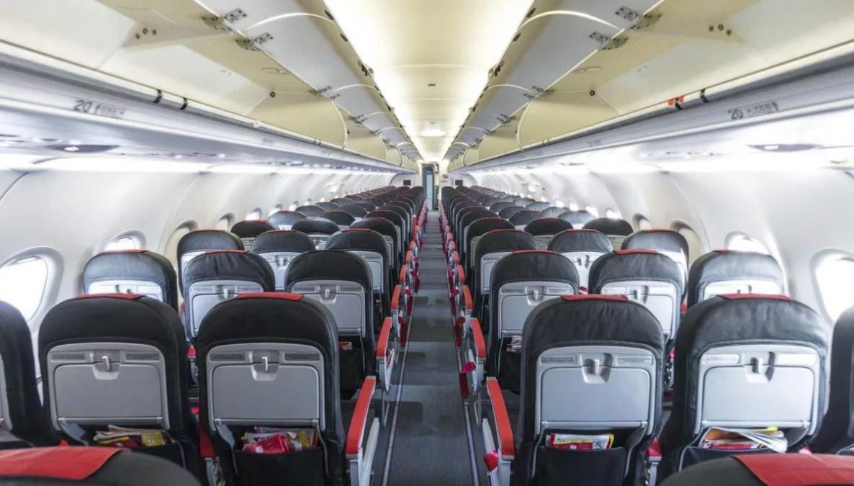 去旅行散心結果搭飛機時「前女友坐旁邊」 結局根本電影展開!