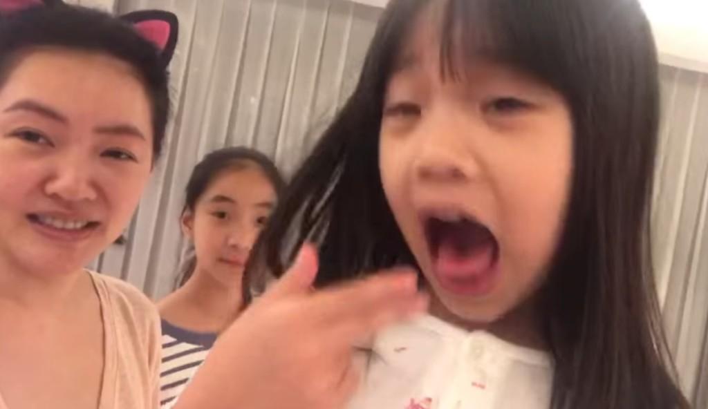 影/誰比較欠揍?小S尬許老三「浮誇派演技」 女兒完勝:我是最紅的明星~