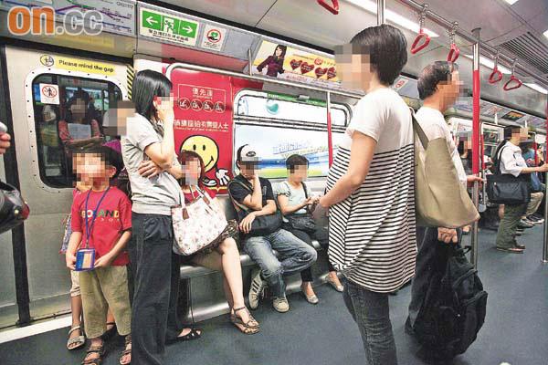 她買了票卻「被老人逼讓座」 男大生霸氣回:不必!...意外變鄉民偶像
