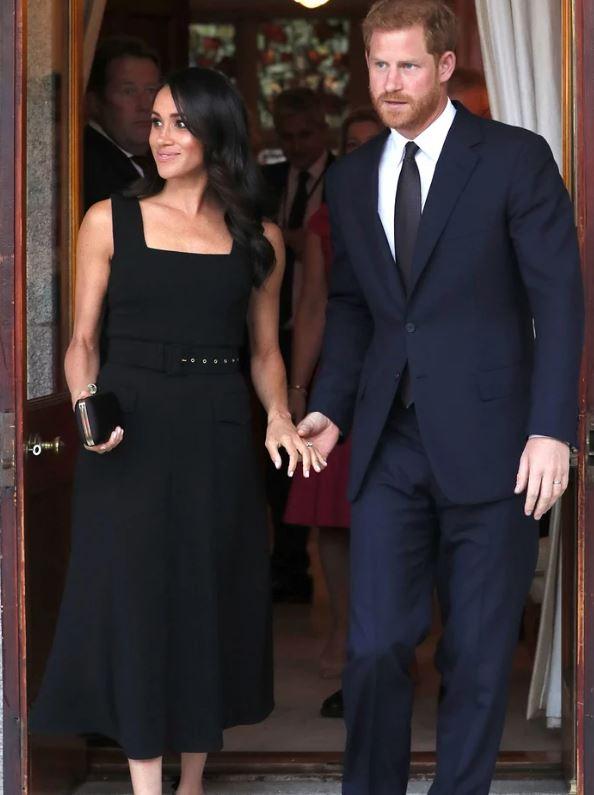 梅根嫁入皇室2個月快崩潰!超保守「皇室禮儀」很難懂:不能穿褲子?