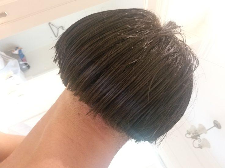 濃眉哥答應「讓兄弟幫剪髮」 剪完一轉身...手指是你?