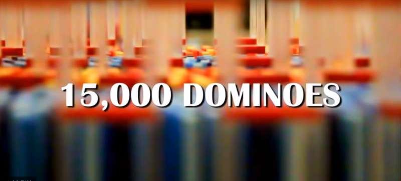 影/15000片「三重螺旋骨牌塔」超壯觀 8天心血帶給你2分鐘滿滿療癒