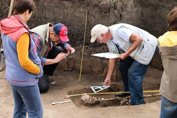考古發現1600年前女巫遺骸 面朝下手被反綁「一切只因愛錯人」!