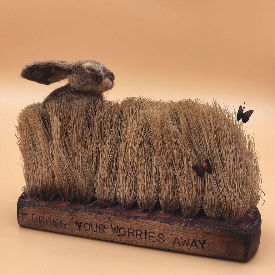 用舊刷子幫動物們注入全新生命!14張超療癒的羊毛氈作品