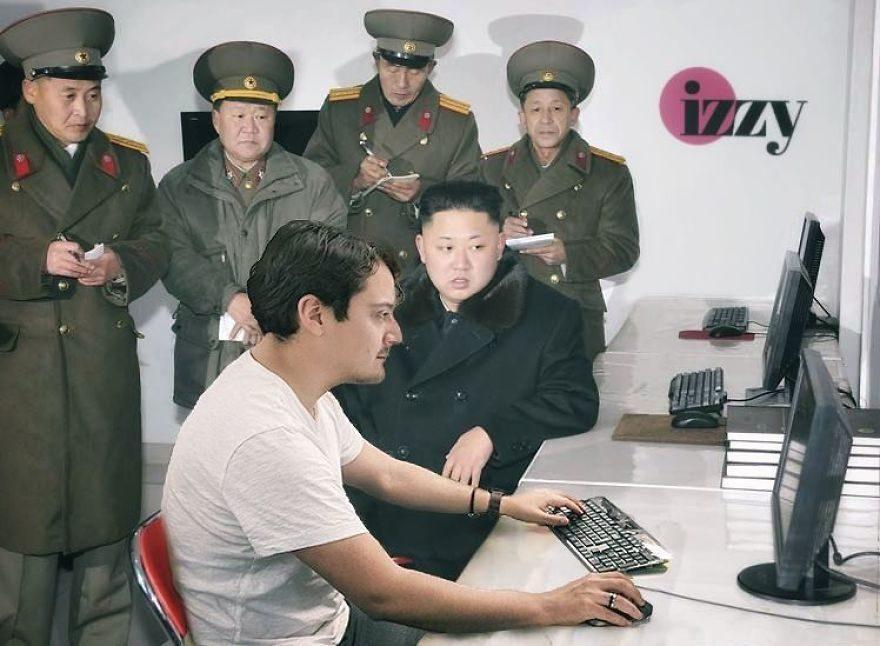休息太無聊「他把自己變成爆笑P圖」 和英國女王散步還跑到北韓工作!