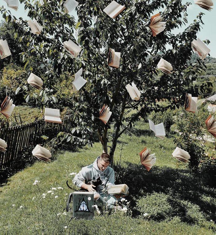 家裡根本圖書館!他用1100本書排出「超美藝術場景」 漸層藍色書海~(22張)