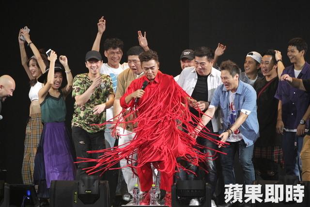 影/吳宗憲攻蛋自誇「唱比周董好」 現場高歌《青花瓷》秀天王實力!