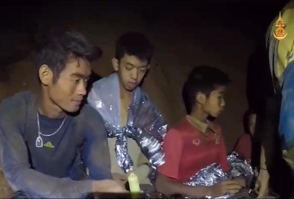 來回12小時送氧氣救足球隊!泰前海豹隊員只顧救人「沒注意到自己氧氣不足」GG了