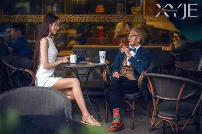 孫子突發奇想「讓85歲爺爺穿上潮衣」 爺爺直接變身英倫紳士打趴年輕人!