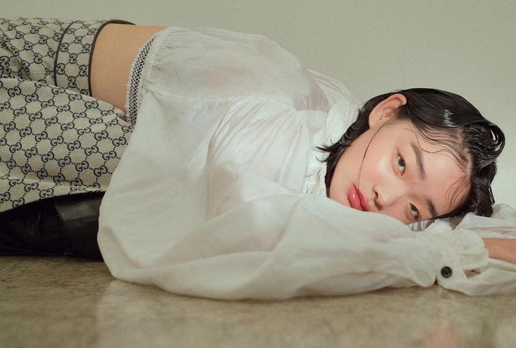 18歲少女被嘲青蛙臉 卻憑「厭世不完美顏」被Dior看中改變命運!