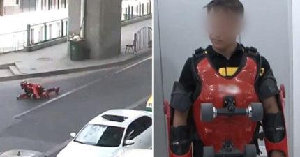 影/男子穿「鋼鐵人滑輪服」趴高速公路飆速 駕駛全看傻:是想學成龍?
