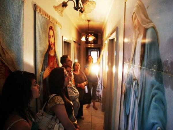 會哭泣的房子...「奇蹟屋」可以治不孕、重病 屋主:兒子顯靈了!
