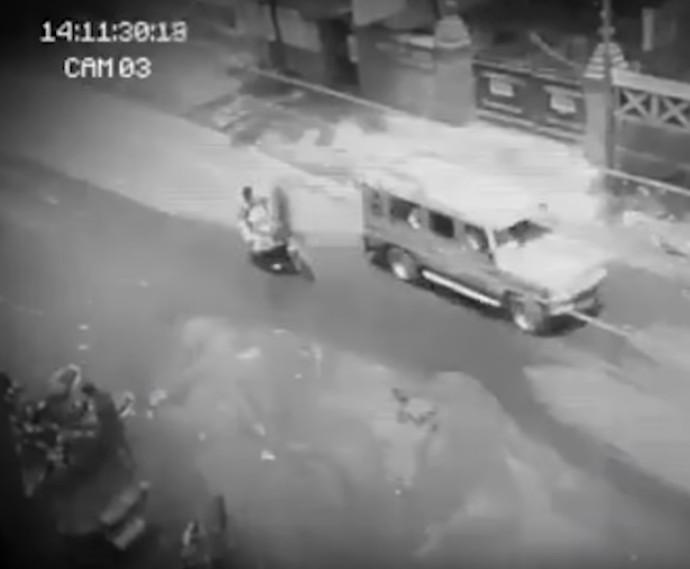 影/監視器拍到半透明黑影 過馬路「穿透車輛蒸發」店家秒閃尿