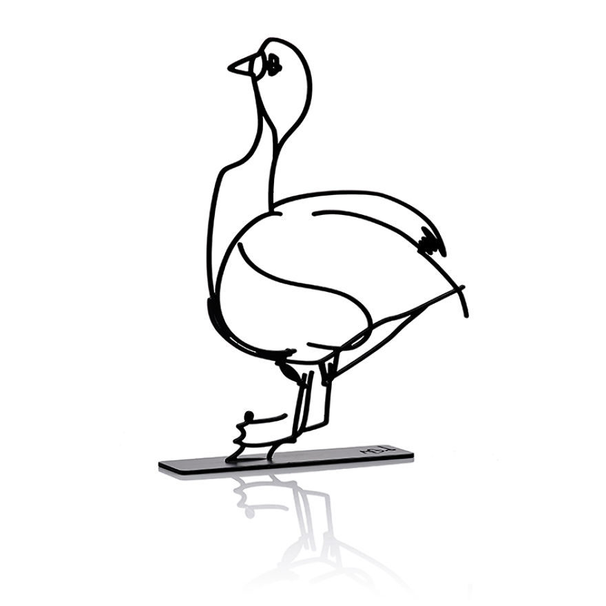 他翻到一本「50年前出版的舊畫本」 把裡面動物插圖通通變3D實體