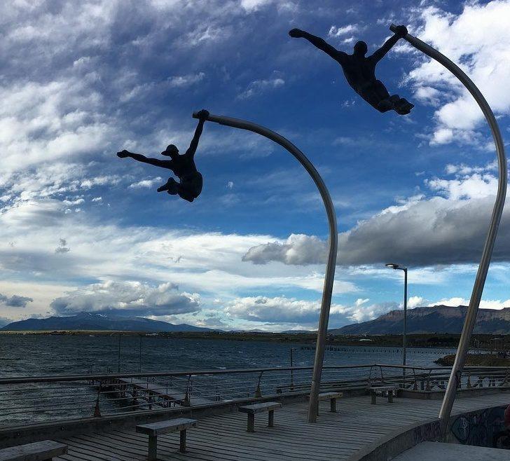 22尊連「地心引力都抓不住」的超狂雕像 體操選手到底怎麼做的?