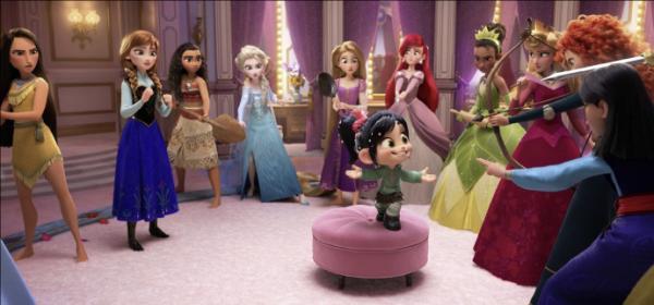 《無敵破壞王2》最新劇照!14位公主開夢幻「睡衣趴」 花木蘭睡衣太帥啦♥