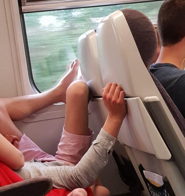 24個「讓人忍不住出手教訓」超誇張壞習慣 應該禁止內搭褲外穿!