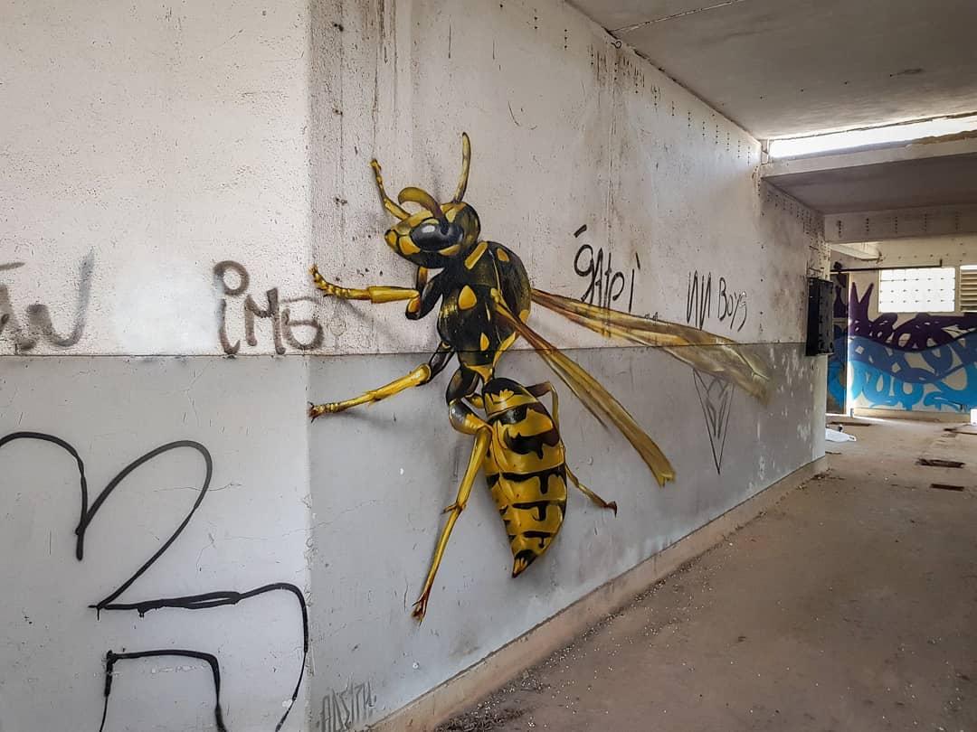 噴漆藝術家創作「3D昆蟲壁畫」 小心轉角遇到巨大毛蜘蛛!