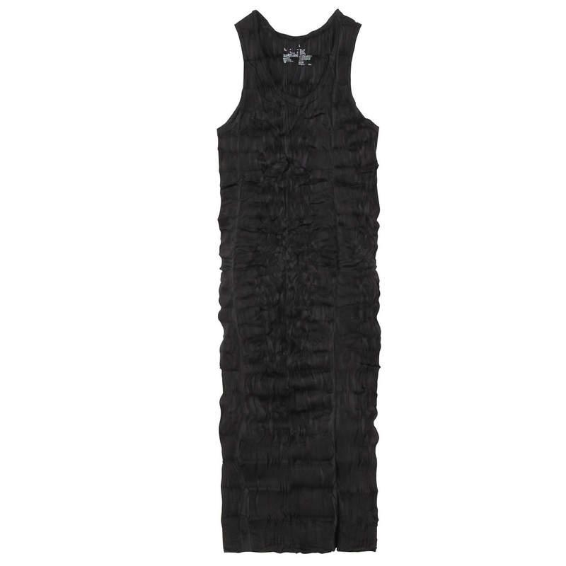 無印良品推「掌上型壓縮洋裝」 攜帶方便一天換3次衣服都行!