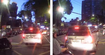 板橋警騎車違規!駕駛嚇到按喇叭勸「打方向燈啦」 警惱羞反嗆:要刁我就對了?