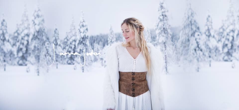 迪士尼公主真的存在!北歐女子「空靈美聲」唱歌 牛牛們聽到入魔自動靠近❤
