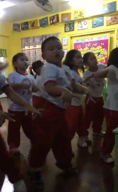 是舞王的眼神!練幼稚園舞發現「未來巨星」 超魔性軟Q扭動:旁邊女孩都給我退下
